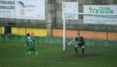 Alberto logra con este preciso testarazo segundo gol do Arenteiro